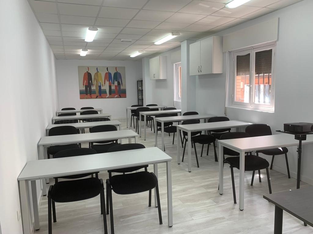 estudios cáceres
