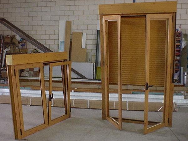 carpintería de aluminio cáceres, carpintería de PVC cáceres, puertas de garaje seccionales cáceres