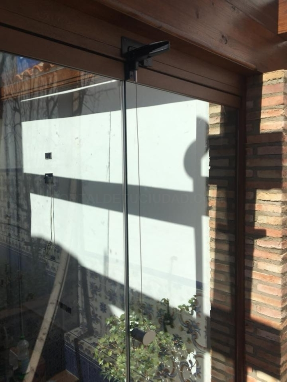 cortinas de cristal en negocios caceres