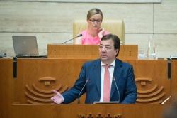 Fernández Vara anuncia la recuperación de la jornada laboral de 35 horas para los empleados públicos de la Junta de Extremadura.