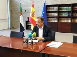 El director gerente del SEXPE asegura que el desempleo desciende en la región por las políticas de empleo de la Junta de Extremadura.