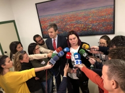 Rotunda oposición de la Junta a pagar un incremento del 60% por kilómetro en el coste del servicio con Renfe.