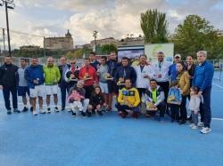 El Club de tenis Cauria ha acogido este fin de semana el campeonato de Extremadura para veteranos