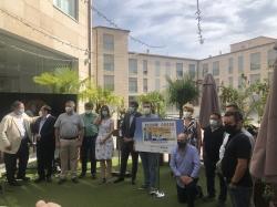 El alcalde destaca el cumplimiento ejemplar de las normas de seguridad por el sector de la hostelería