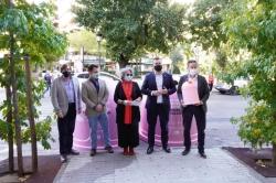 El Ayuntamiento de Cáceres presenta la campaña solidaria 'Recicla Vidrio por ellas' junto con Ecovidrio, con motivo del Día Mundial del Cáncer de Mama