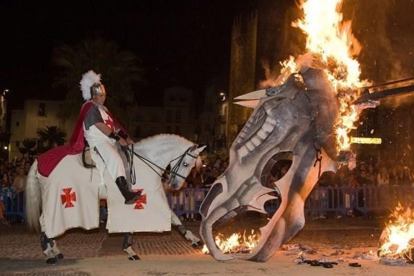 El Desfile oficial de San Jorge se celebrará el lunes, 22 de abril, y empezará a las 20:00 horas.