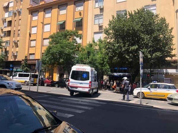 Atropellan a una mujer en Cáceres que estaba sentada en un banco