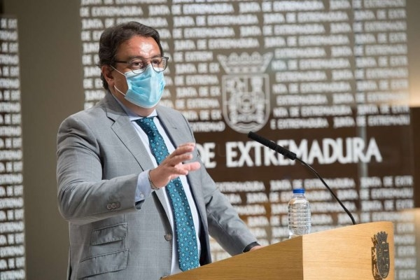 """Sanidad informa de una """"transmisión comunitaria controlada"""" del coronavirus en la región"""