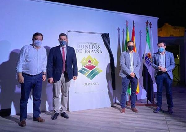 El presidente de la Diputación de Badajoz asiste a la puesta de largo de Olivenza como uno de los Pueblos Más Bonitos de España