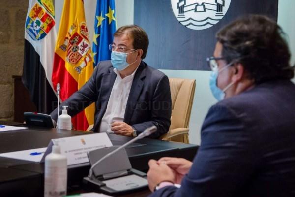 El Consejo de Gobierno de la Junta de Extremadura adopta la decisión política de decretar el cierre los prostíbulos
