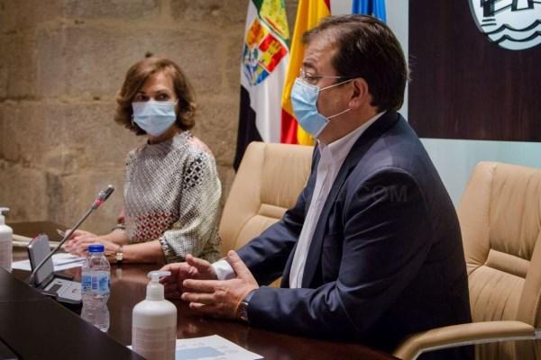 Fernández Vara y agentes sociales presentan a Carmen Calvo la Agenda para la reactivación cara a la financiación con fondos europeos