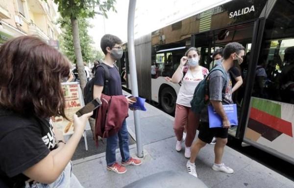 Mantienen el aforo del bus al campus de Cáceres ante el «inminente» refuerzo con tres vehículos