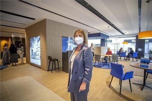 CaixaBank abre en la avenida de España su primera oficina store