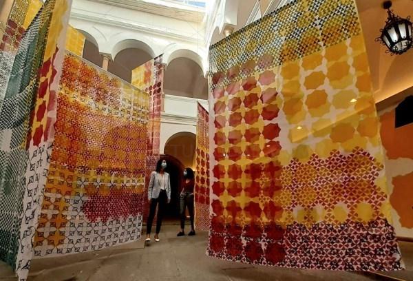 La secretaria general de Cultura reafirma la apuesta regional por la cultura segura en la inauguración de la muestra de la artista Isabel Flores en Mé