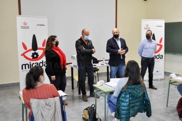 Inaugurado en Fuentes de León el curso