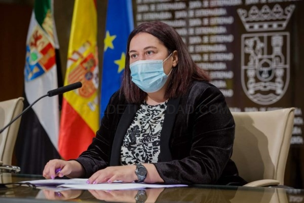 La consejera de Agricultura resalta la importancia del proyecto de regadío en Tierra de Barros por su gran impacto económico y social