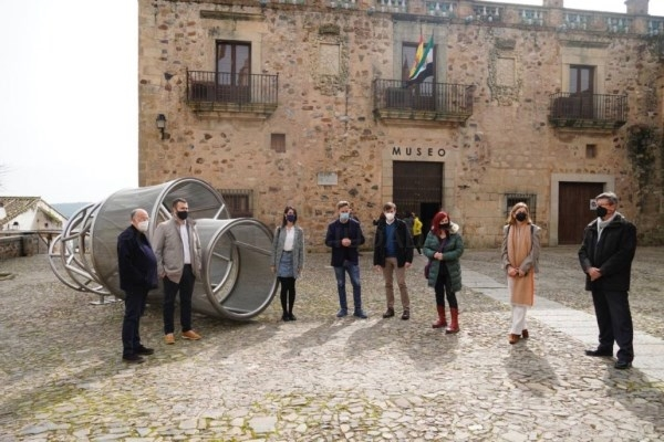Salaya destaca la oportunidad de conocer las obras del Museo Helga de Alvear sin masificaciones
