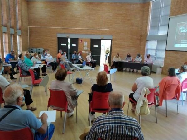El Consejo Sectorial  aprueba el preprograma municipal para el Mes de las Personas Mayores