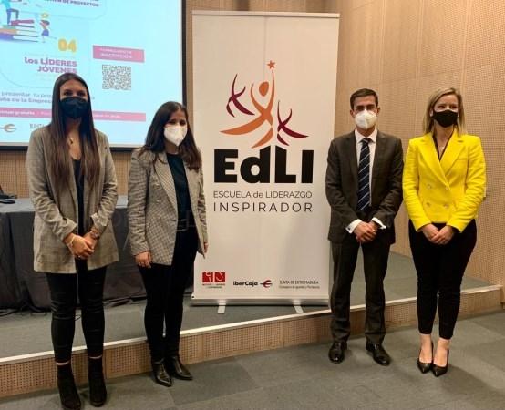 Gil Rosiña destaca la oportunidad que representa la Escuela de Liderazgo Inspirador para los jóvenes de Extremadura