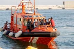 Rescatados once inmigrantes a bordo de una patera de 6 metros frente a Alicante