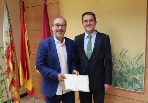 Alzira adjudica a Iberdrola el contrato de energía eléctrica renovable a 180 puntos