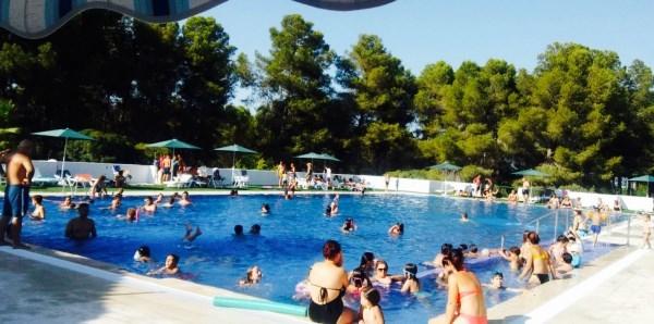 Tous estrena la piscina de verano en cuya reforma ha invertido 140.000 euros