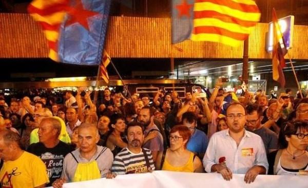 Compromís se alinea junto al bloque independentista frente al Estado
