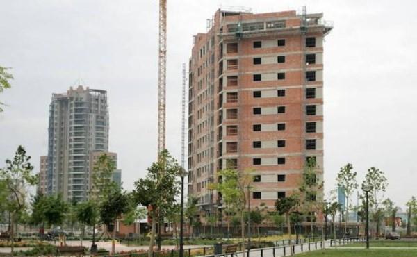 CONSTRUCCIóN DE EDIFICIO EN VALENCIA / LP