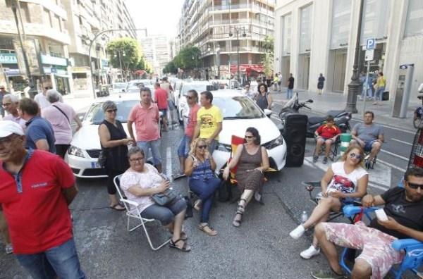 La huelga de taxistas causa pérdidas de hasta un 40% en los comercios del centro