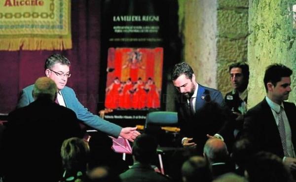 Joan Ribó da 19.000 euros a los premios que exaltan a los independentistas presos