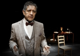 Teatro: Yo, Feuerbach