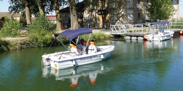 Embarcaciones del Canal de Castilla