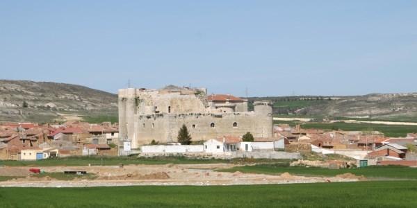 """Castillo de Fuentes de Valdepero. Exposición permanente """"'De la ruina al uso"""":"""