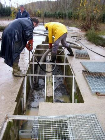 Abierto el plazo para la inclusión en el programa de limpieza de fosas sépticas y filtros verdes