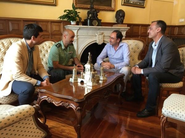 El Alcalde recibe al nuevo jefe de la Comandancia de la Guardia Civil en Palencia