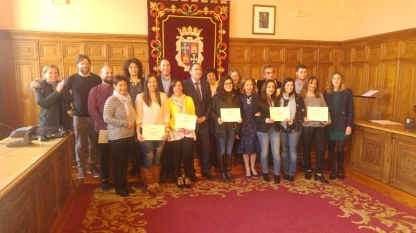 El Alcalde agradeció la implicación en la mejora de la imagen de la ciudad de todos los comercios participantes en el Concurso Escaparates Navideños