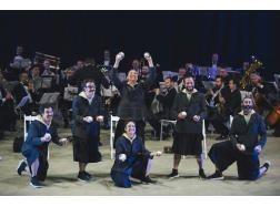 El circo y la música se suben al Teatro Principal de Palencia con 'Orquesta de Malabares'