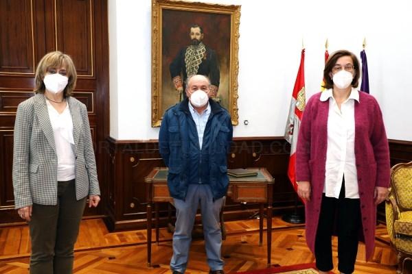 La reunión con el alcalde de Hontoria de Cerrato en la Diputación sirvió para hacer un repaso a las actuaciones más urgentes en el municipio