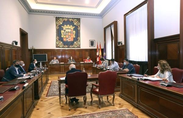 """La Diputación aprobó los convenios con ayuntamientos para continuar con la labor de los programas """"Crecemos"""" en 17 municipios"""