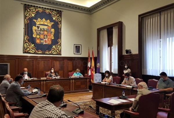 La Diputación prorroga el convenio para los próximos dos años con la Consejería de Fomento para la extensión y mejora de la red de transporte público
