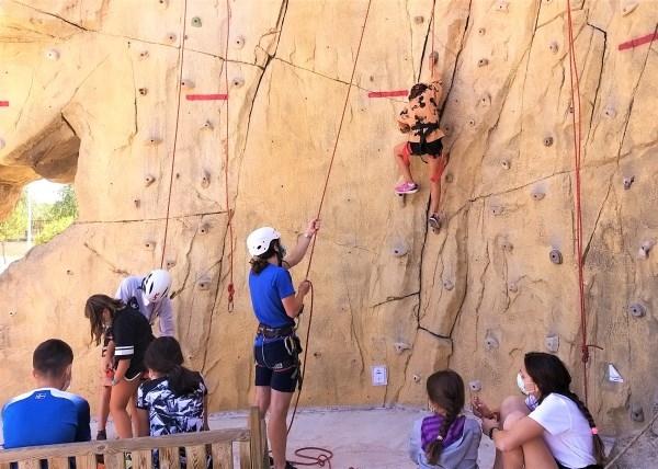 Más de 1.300 niños y jóvenes han participado en el programa 'Ganas de verano en el pueblo' organizado por la Diputación de Palencia el pasado verano