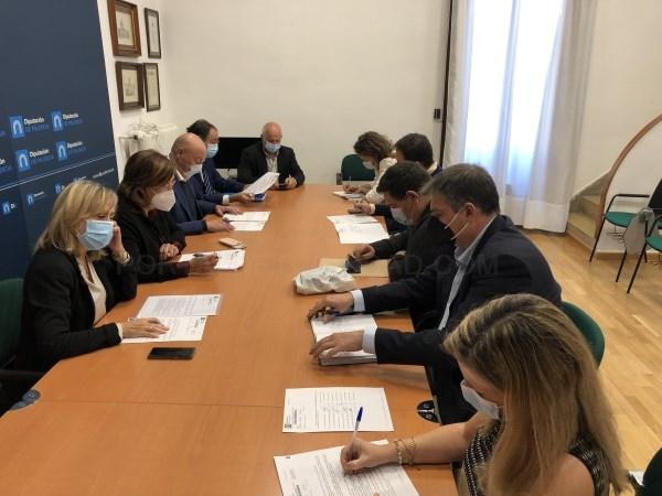 La Junta de Gobierno de la Diputación aprueba cinco convenios de colaboración en materia deportiva y da luz verde al programa Crecemos en Becerril