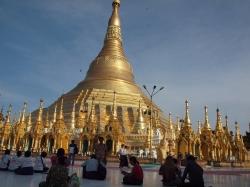 Birmania, el país de la eterna sonrisa y las sorpresas permanentes