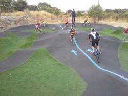 Inaugurado el circuito de Pump Track de Los Arroyos