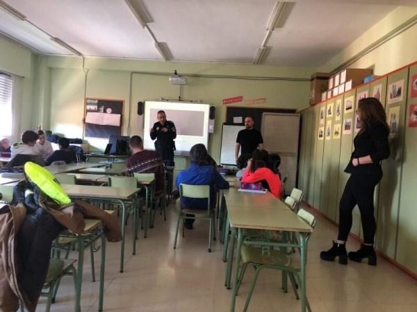 El Ayuntamiento de Collado Villalba y la universidad UDIMA participan en un programa escolar para hacer frente a los riesgos del ciberespacio