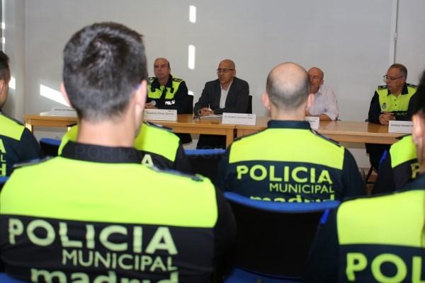 La Policía Municipal denuncia a 207 vehículos de alquiler con conductor y taxis