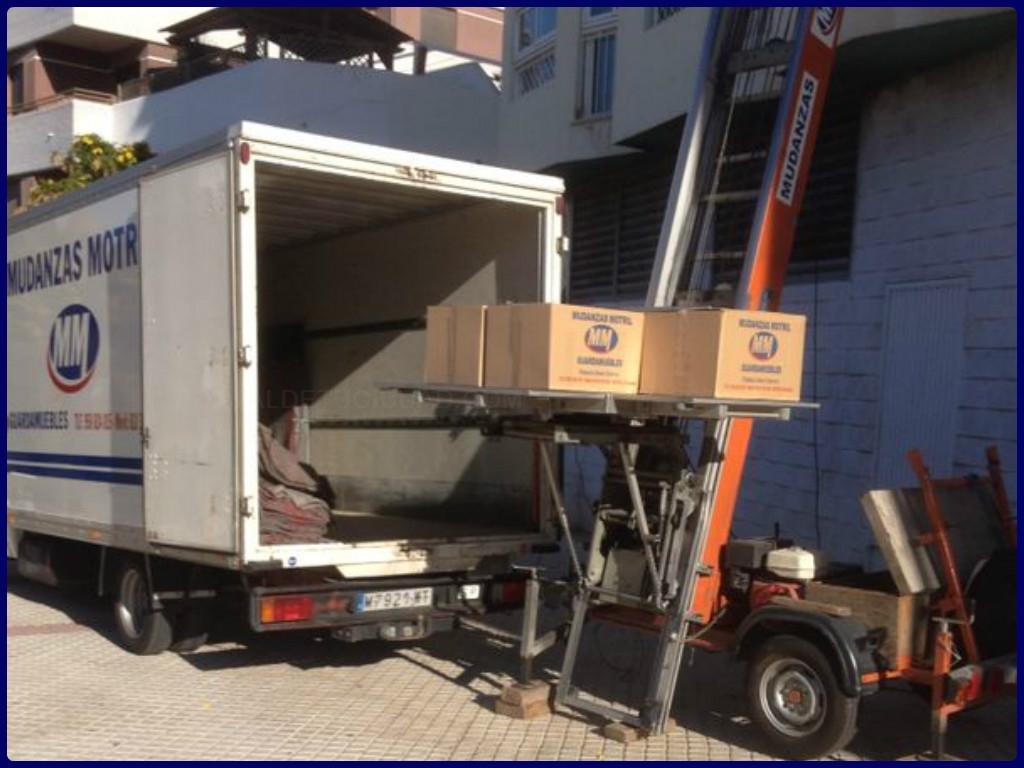 carga de muebles en motril, transporte de muebles en almuñecar, mudanzas baratas en motril,