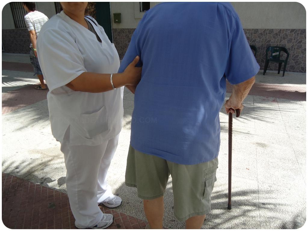 ayuda a discapacitados en motril, ayuda a dependientes en motril, ayudan2 en almuñecar,