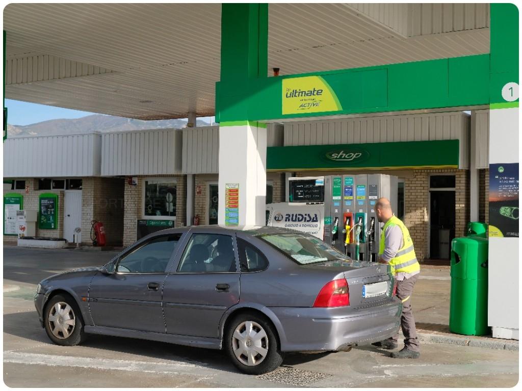 estaciones de servicio en castell de ferro, estaciones de servicio en gualchos, gasolinera motril,