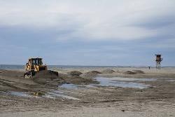 Motril equipa sus playas al 50% para recibir a sus visitantes en la primera fecha turística del calendario
